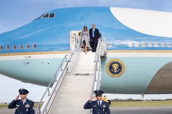"""Bộ sưu tập máy bay tư nhân """"sang - xịn"""" của Tổng thống Trump  - Ảnh 3"""