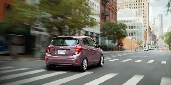 """Chevrolet Spark 2021 ra mắt giá chỉ hơn 300 triệu đồng, đối thủ """"nặng ký"""" của Hyundai Grand i10 - Ảnh 2"""