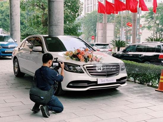 """Bóc giá """"xế xịn"""" Mercedes-Maybach S450 trong đám cưới Công Phượng: Đèn nội thất 64 màu, cửa sổ trời đổi màu - Ảnh 3"""