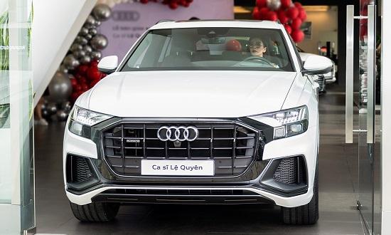 """""""Nữ hoàng phòng trà"""" Lệ Quyên mạnh tay chi hơn 5 tỷ đồng mua xe sang Audi Q8  - Ảnh 2"""