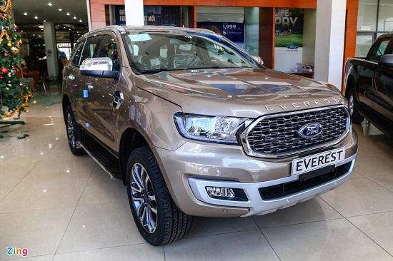 Khám phá Ford Everest Titanium 2021 vừa cập bến Việt Nam, giá từ 999 triệu đồng  - Ảnh 1