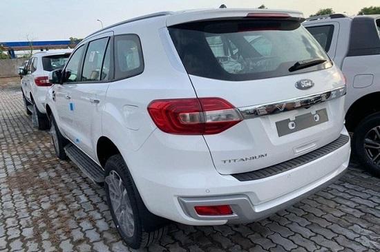 Khám phá Ford Everest Titanium 2021 vừa cập bến Việt Nam, giá từ 999 triệu đồng  - Ảnh 2