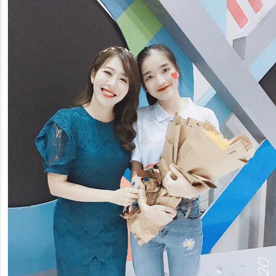 """Nữ sinh Thái Nguyên được """"săn lùng"""" vì loạt biểu cảm dễ thương khi dự thi Olympia  - Ảnh 3"""