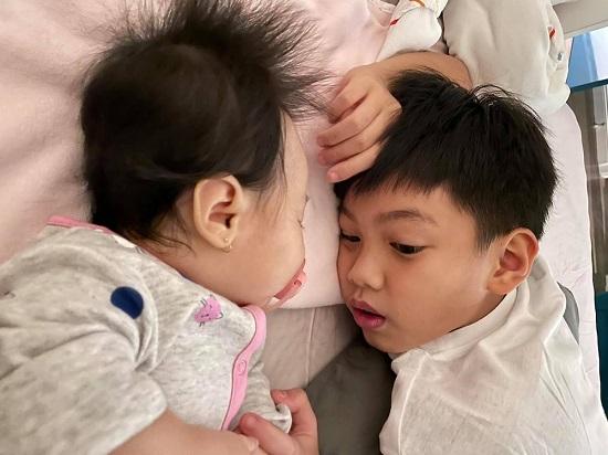 """""""Lịm tim"""" trước khoảnh khắc ngọt ngào của con trai Hồ Ngọc Hà - Ảnh 3"""