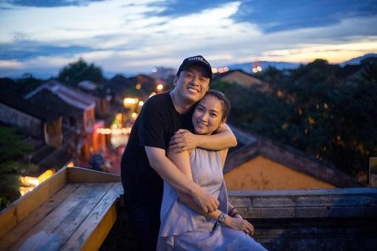 """Bà xã """"anh Hai"""" Lam Trường tự tặng quà, đi ăn một mình nhân kỷ niệm 7 năm kết hôn  - Ảnh 3"""