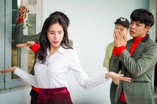 """Bộ ba Thủy Tiên - Ngọc Trinh - Linh Chi được dân mạng """"soi"""" từng là bạn diễn trên phim  - Ảnh 4"""