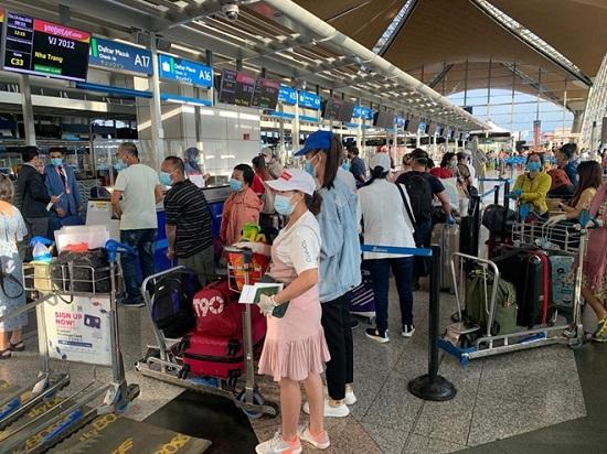 Gần 240 công dân Việt Nam từ Malaysia về nước an toàn  - Ảnh 1
