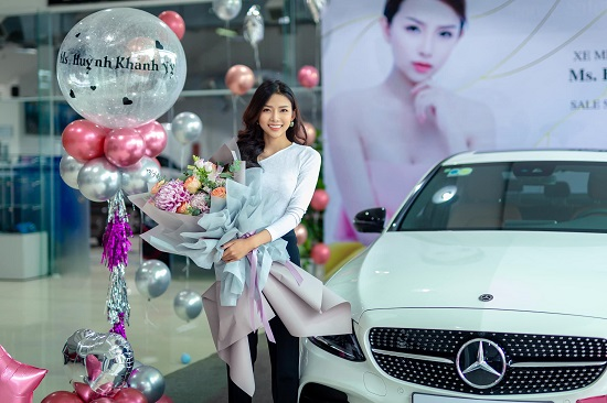 Phan Mạnh Quỳnh tặng bạn gái hotgirl xế hộp 3 tỷ đồng nhân dịp sinh nhật  - Ảnh 1