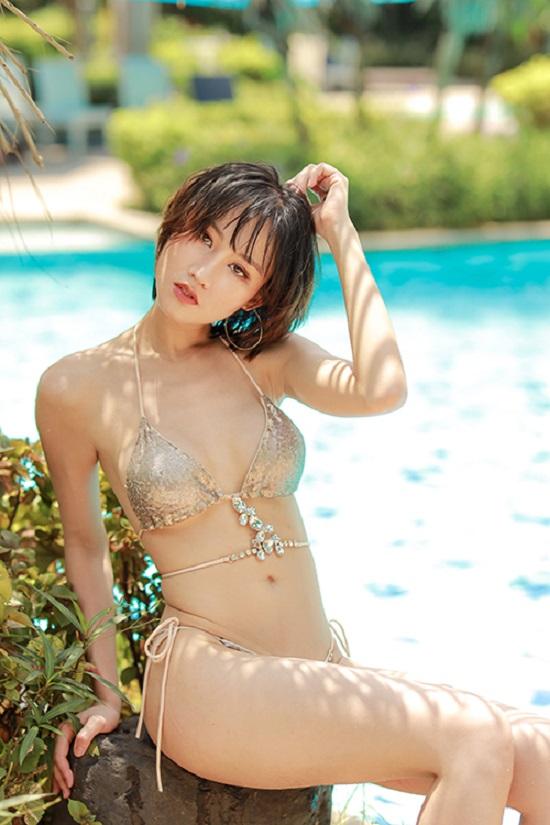 Hoa hậu Du lịch châu Á 2019 Phạm Lan Anh khoe ảnh bikini nóng bỏng với vòng eo 58 cm - Ảnh 3