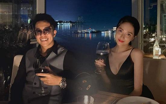 Nghi vấn Hương Giang hẹn hò Matt Liu sau loạt ảnh giống nhau bất thường trên Facebook - Ảnh 2