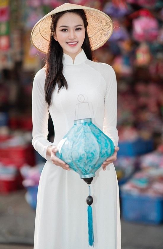 """Cô gái chân dài 1,21m thi Hoa hậu Việt Nam 2020, sở hữu nụ cười tỏa nắng """"đốn tim"""" người nhìn  - Ảnh 2"""