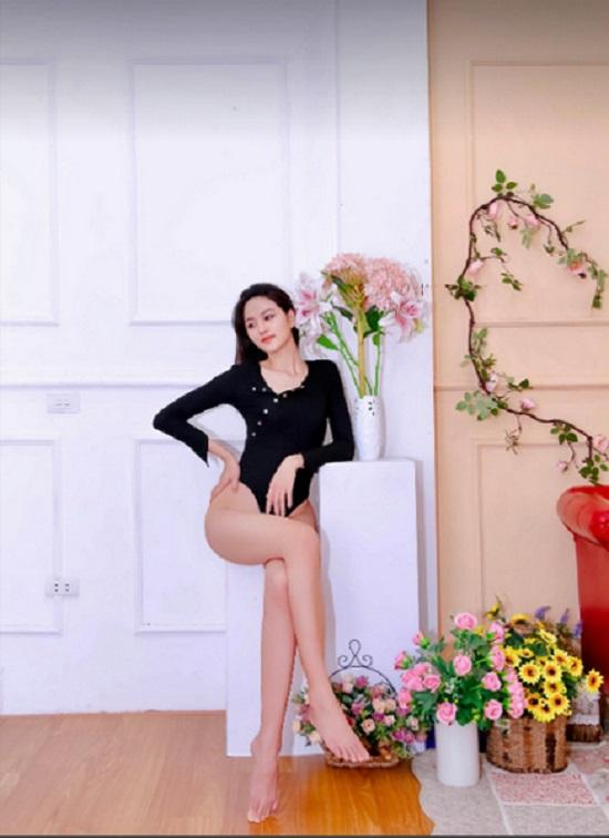 """Cô gái chân dài 1,21m thi Hoa hậu Việt Nam 2020, sở hữu nụ cười tỏa nắng """"đốn tim"""" người nhìn  - Ảnh 4"""