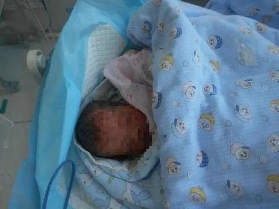 Người đàn ông ném đứa con mới sinh vào thùng rác vì không thể chi trả viện phí - Ảnh 3