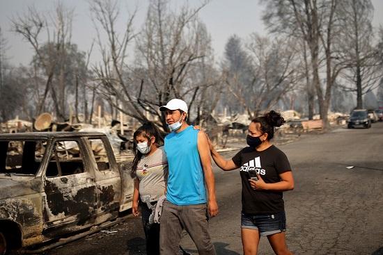 Sốc: Hàng nghìn ngôi nhà ở Mỹ hóa tro tàn, nửa triệu người phải sơ tán vì cháy rừng - Ảnh 4