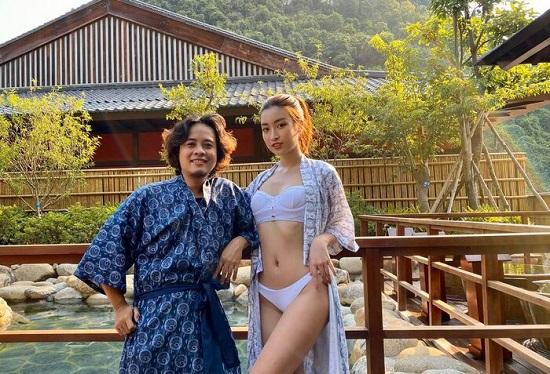 Đỗ Mỹ Linh diện bikini cực nóng bỏng, tạo dáng gợi cảm giữa ốc đảo Sài Gòn  - Ảnh 5