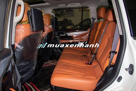 """Cận cảnh chiếc """"chuyên cơ mặt đất"""" tiền tỷ Lexus LX 570 - Ảnh 6"""