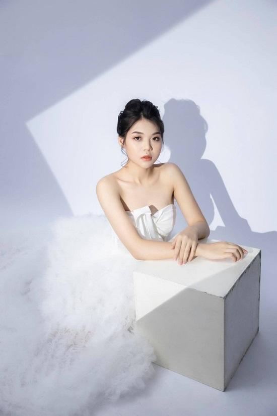 Nữ sinh người Nùng sở hữu nhan sắc trong veo thi Hoa hậu Việt Nam 2020  - Ảnh 1