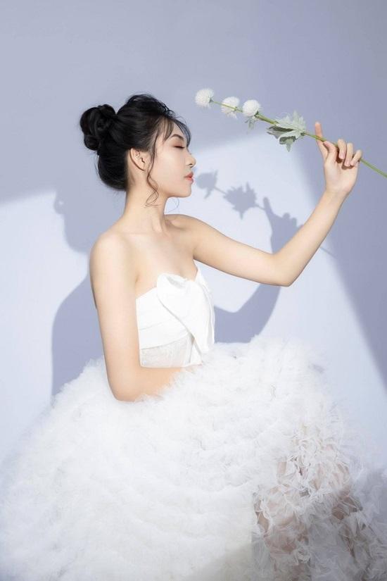 Nữ sinh người Nùng sở hữu nhan sắc trong veo thi Hoa hậu Việt Nam 2020  - Ảnh 5