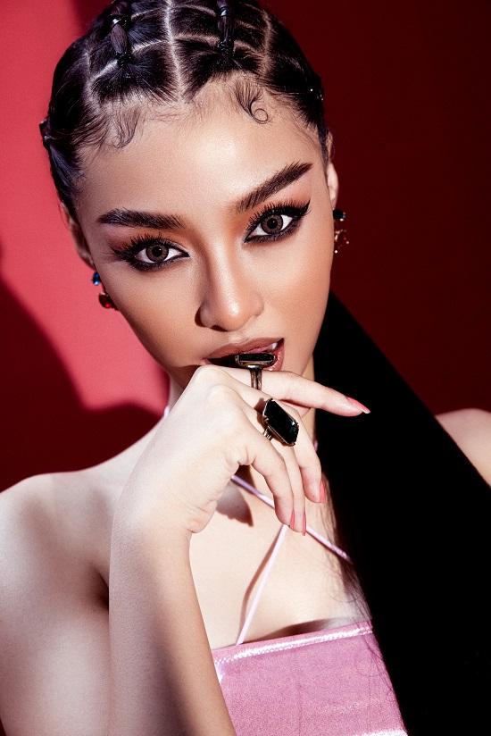 Nàng hậu Kiều Loan một mình cân trọn phong cách hip hop trong bộ ảnh mới - Ảnh 2