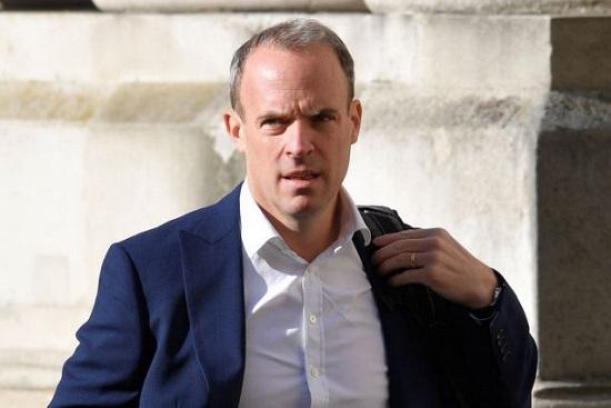 Vệ sĩ Ngoại trưởng Anh bị đình chỉ vì để quên súng trên máy bay  - Ảnh 2