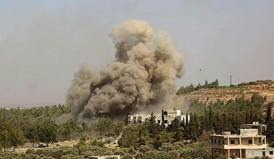 """Máy bay phản lực Nga """"dội bão lửa"""" vào cứ điểm khủng bố ở Syria  - Ảnh 2"""