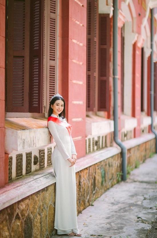 """Người đẹp Huế có thành tích học tập """"khủng"""", nhan sắc """"không phải dạng vừa"""" dự thi Hoa hậu Việt Nam 2020  - Ảnh 2"""