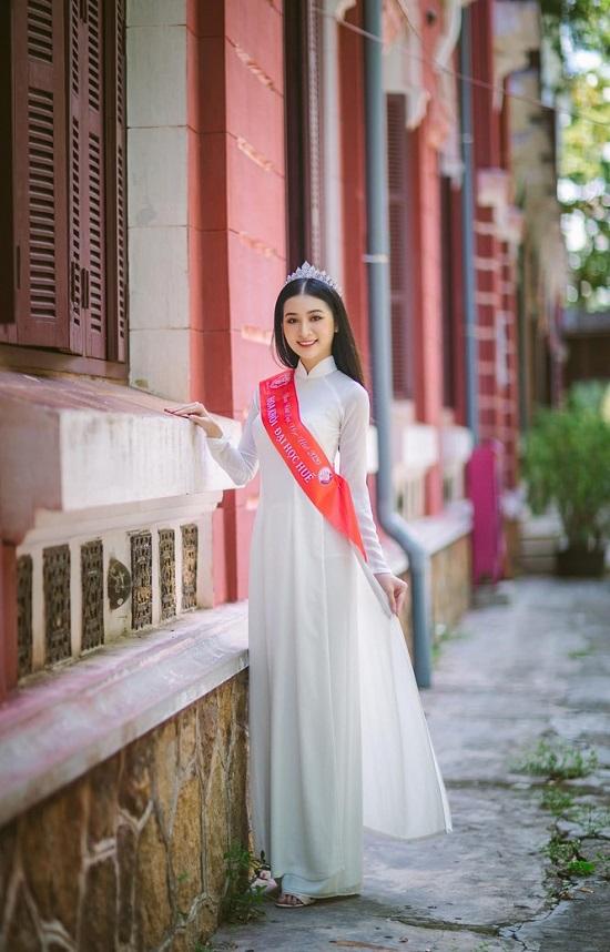 """Người đẹp Huế có thành tích học tập """"khủng"""", nhan sắc """"không phải dạng vừa"""" dự thi Hoa hậu Việt Nam 2020  - Ảnh 3"""