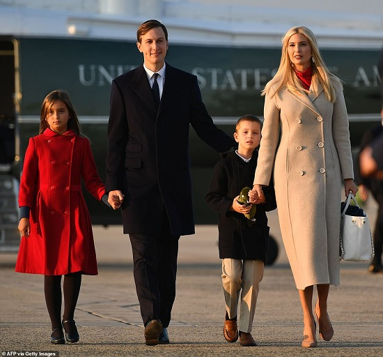 """Hai nhóc tì được Tổng thống Trump âu yếm gây chú ý, chiếm trọn """"spotlight"""" tại sự kiện lớn  - Ảnh 5"""