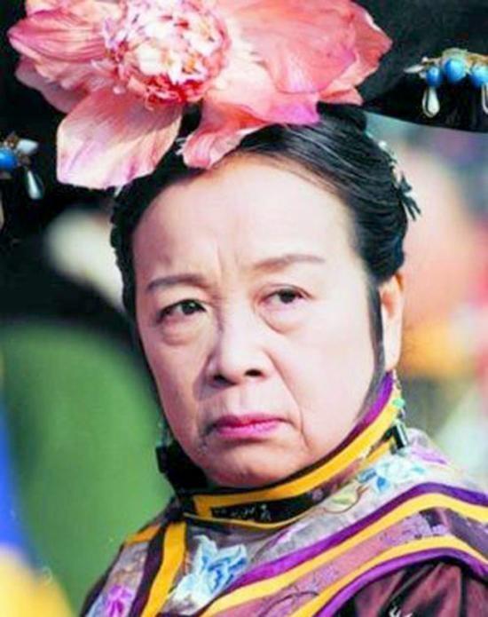 """Nhan sắc """"đỉnh cao"""" thời xuân xanh của """"Dung Mama"""" bị ghét nhất màn ảnh Hoa ngữ - Ảnh 1"""