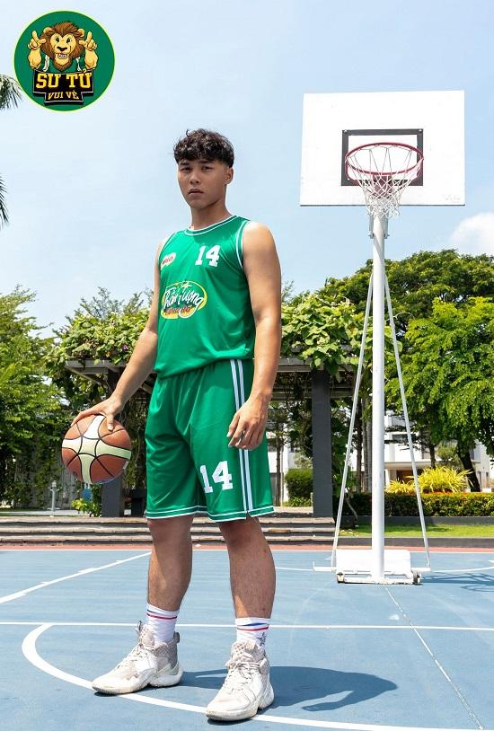 Will - Cường Seven toát mồ hôi khi hướng dẫn học trò tạo dáng với bóng rổ - Ảnh 5