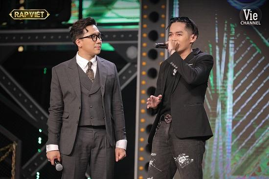 """Hit """"Đôi Mắt"""" của Wanbi Tuấn Anh bất ngờ bùng nổ tại sân khấu Rap Việt - Ảnh 1"""
