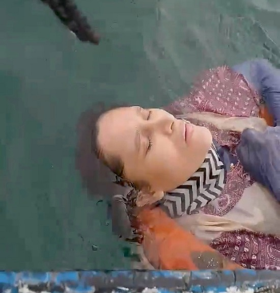 """Mất tích 2 năm, người phụ nữ bỗng được tìm thấy sống sót """"lênh đênh"""" trên biển - Ảnh 1"""