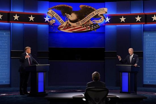 """Trump - Biden tranh cãi nảy lửa trong """"hiệp đấu"""" đầu tiên, liên tục ngắt lời đối thủ  - Ảnh 1"""