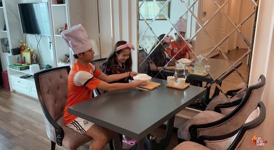 """Choáng ngợp với cơ ngơi """"khủng"""" và gia tài đồ sộ của dàn Youtuber Việt  - Ảnh 4"""