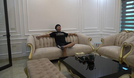 """Choáng ngợp với cơ ngơi """"khủng"""" và gia tài đồ sộ của dàn Youtuber Việt  - Ảnh 8"""