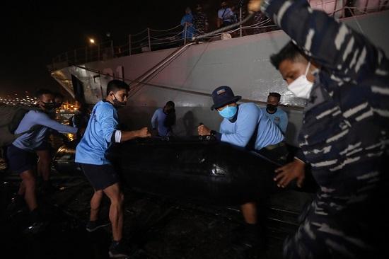 Vụ máy bay Boeing 737 mất tích: Nghi vấn gặp nạn dưới biển, toàn bộ hành khách là công dân Indonesia - Ảnh 2