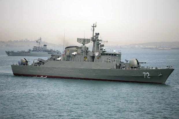 Iran phóng ngư lôi và tên lửa hành trình uy lực từ tàu ngầm tự sản xuất - Ảnh 1