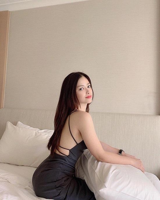 """Dương Hoàng Yến khoe da trắng nõn và đường cong quyến rũ, trái ngược hình ảnh """"kín cổng cao tường"""" trong Sao Nhập Ngũ - Ảnh 6"""