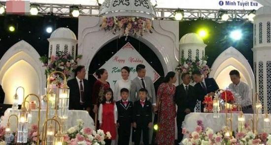 Hậu vệ Phạm Xuân Mạnh và bạn gái tổ chức lễ đính hôn  - Ảnh 3