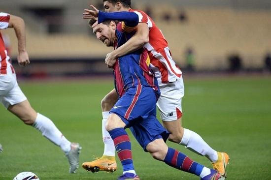 Messi lần đầu tiên bị đuổi khỏi sân trong màu áo Barcelona  - Ảnh 1