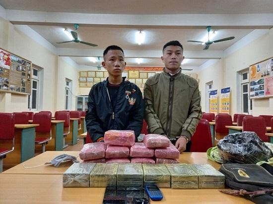 Hai nam sinh vận chuyển heroin, ma túy tổng hợp để lấy 300 triệu đồng  - Ảnh 1