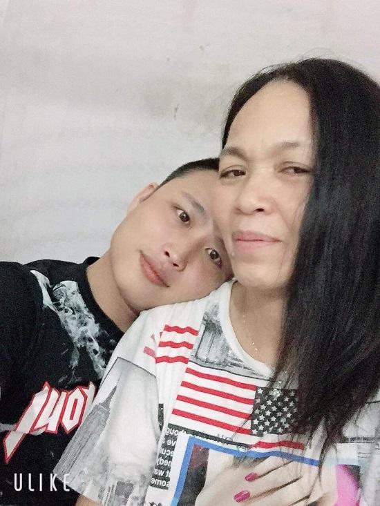 Vợ 53, chồng 29 tuổi: Niềm vui và hạnh phúc nhọc nhằn - Ảnh 1