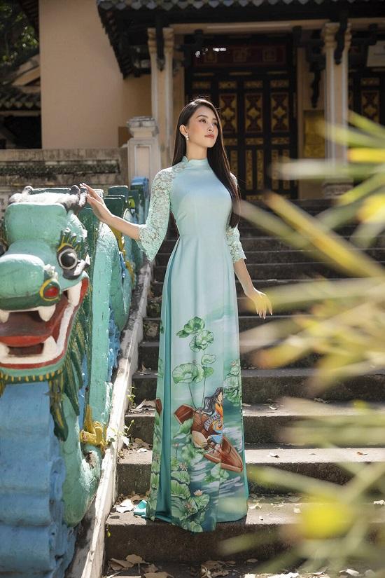 """Hoa hậu Tiểu Vy """"đốn tim"""" người xem với nụ cười tỏa nắng trong bộ áo dài rực rỡ sắc xuân  - Ảnh 5"""