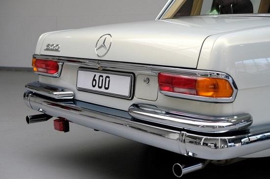 """Cận cảnh chiếc """"xe tài phiệt"""" Mercedes-Benz 600 Pullman đời 1975 - Ảnh 2"""