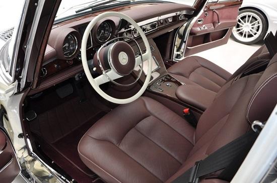 """Cận cảnh chiếc """"xe tài phiệt"""" Mercedes-Benz 600 Pullman đời 1975 - Ảnh 3"""
