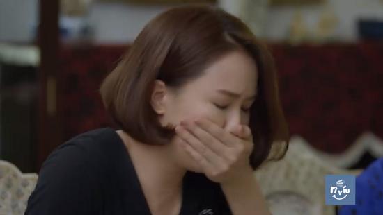 """Hướng Dương Ngược Nắng trích đoạn tập 21: Châu bất ngờ """"nôn ọe"""", phát hiện có bầu với Kiên  - Ảnh 3"""