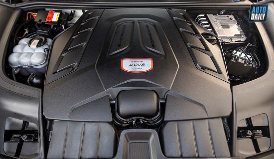 """Mẫu SUV """"hàng hiếm"""" Porsche Cayenne Turbo 2020 giá hơn 10 tỷ đồng tại Việt Nam - Ảnh 4"""