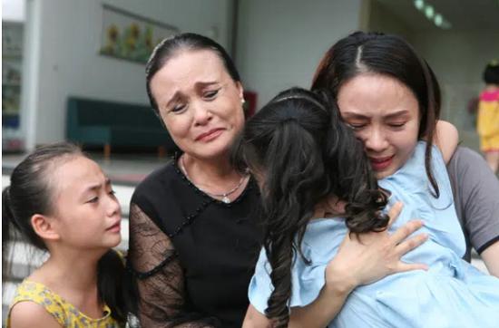 Những bộ phim truyền hình Việt gây ấn tượng về đề tài gia đình năm 2020 - Ảnh 2