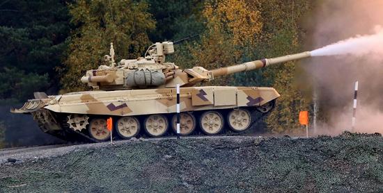 """Lộ diện siêu tăng """"quái thú"""", loại vũ khí làm """"thay đổi cục diện"""" của Quân đội Nga  - Ảnh 1"""