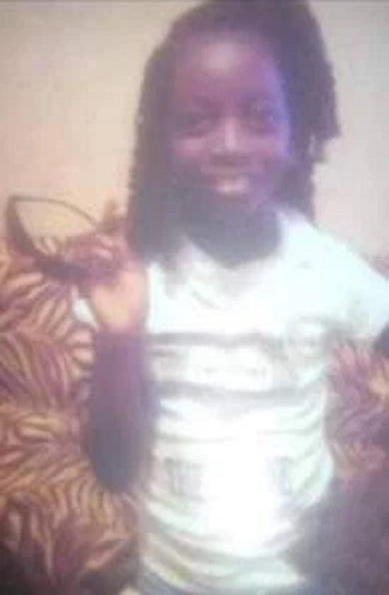 Bé gái 12 tuổi bị sát hại rồi vứt xuống hố, sau 5 ngày được tìm thấy trong tình trạng khó tin - Ảnh 1